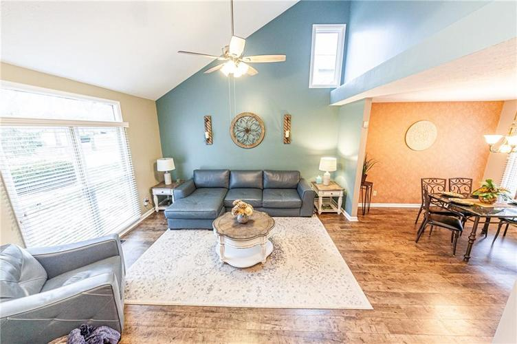 5429 White Willow Court Indianapolis, IN 46254 | MLS 21685557 | photo 7