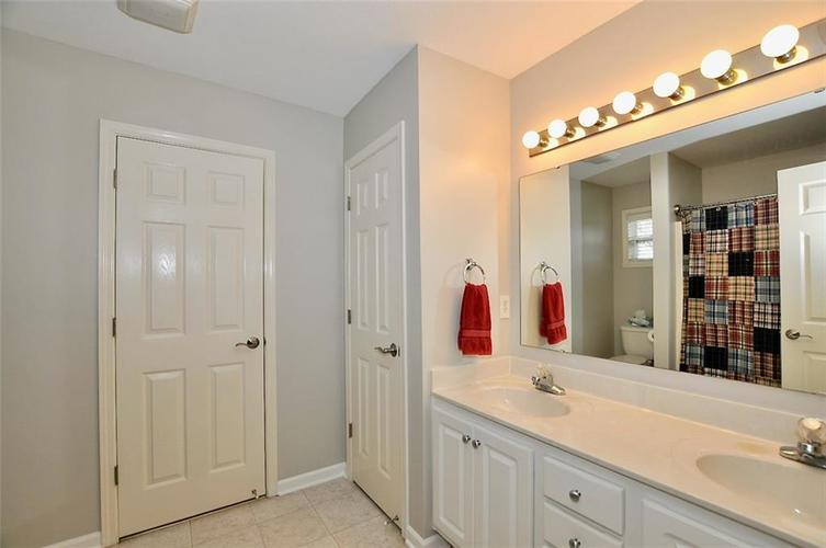 11860 Shady Meadow Place Fishers, IN 46038 | MLS 21685568 | photo 18