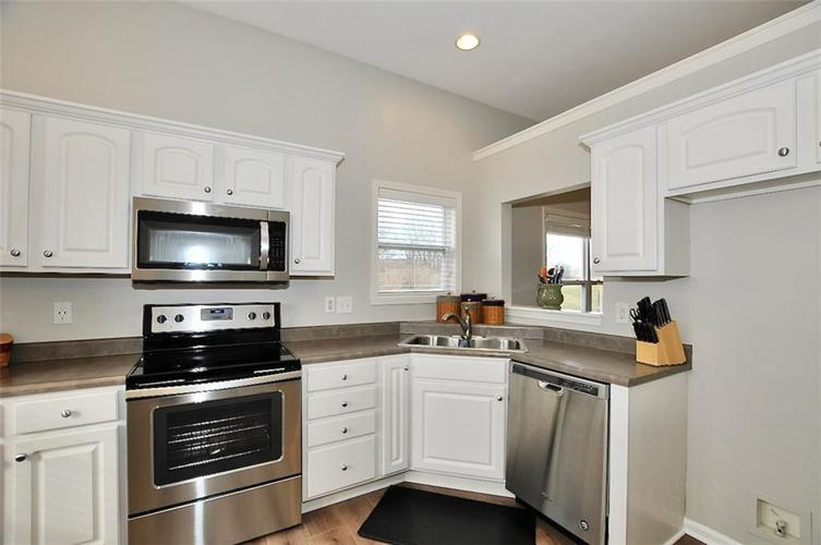11860 Shady Meadow Place Fishers, IN 46038 | MLS 21685568 | photo 6