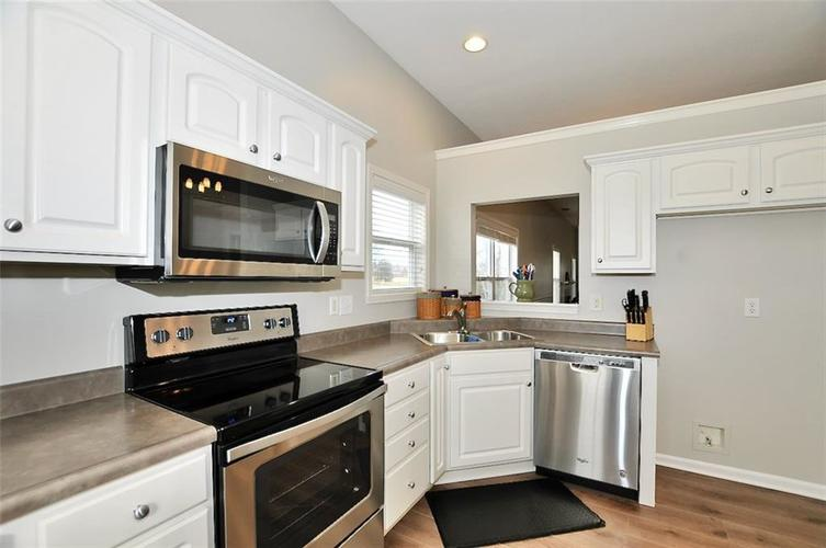 11860 Shady Meadow Place Fishers, IN 46038 | MLS 21685568 | photo 7