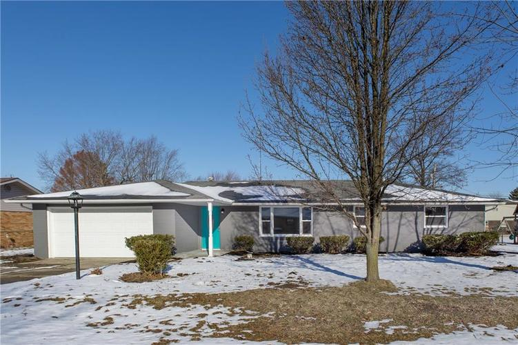 114 Tanglewood Drive Anderson, IN 46012 | MLS 21685677 | photo 2