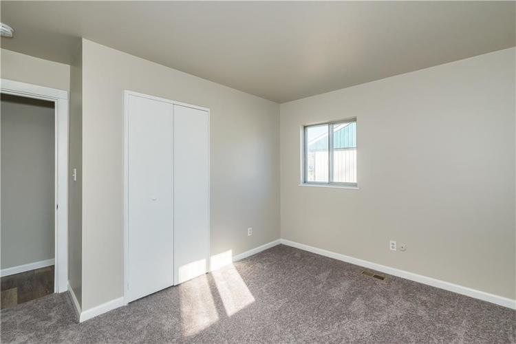 6213 Wixshire Drive Indianapolis, IN 46254 | MLS 21685846 | photo 11