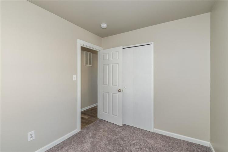 6213 Wixshire Drive Indianapolis, IN 46254 | MLS 21685846 | photo 13