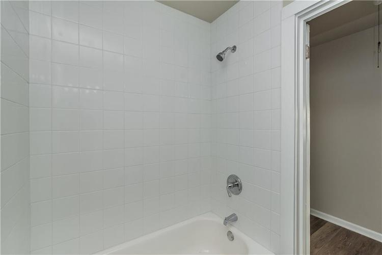 6213 Wixshire Drive Indianapolis, IN 46254 | MLS 21685846 | photo 18