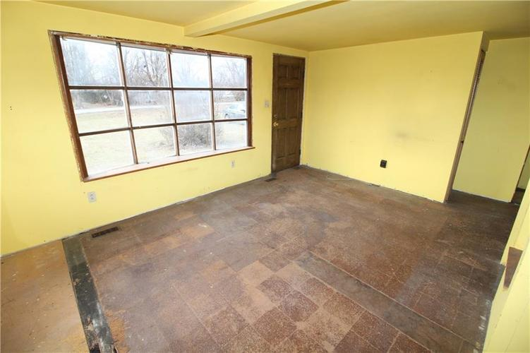 000 Confidential Ave.Indianapolis, IN 46237 | MLS 21686032 | photo 11
