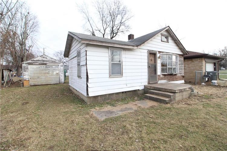 000 Confidential Ave.Indianapolis, IN 46237 | MLS 21686032 | photo 2