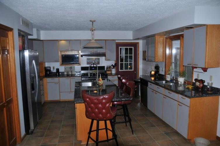 724 Southview Drive New Castle, IN 47362 | MLS 21686035 | photo 8