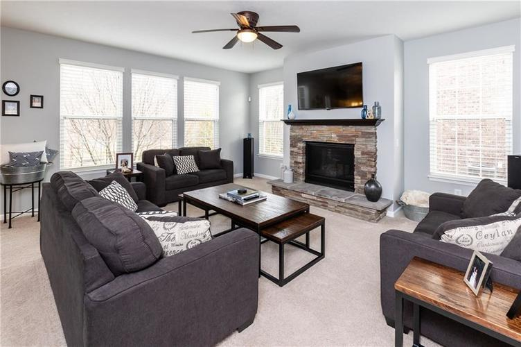 11552 Indian Hill Way Zionsville, IN 46077 | MLS 21686044 | photo 12