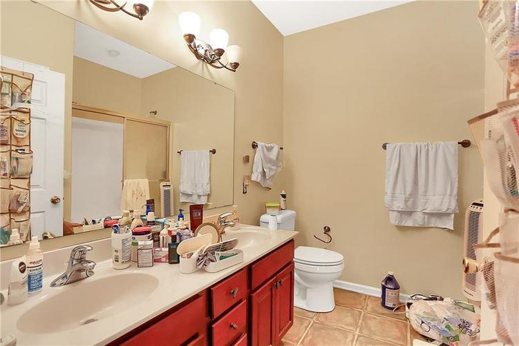 6207 Oakmont Circle Indianapolis, IN 46234 | MLS 21686082 | photo 12