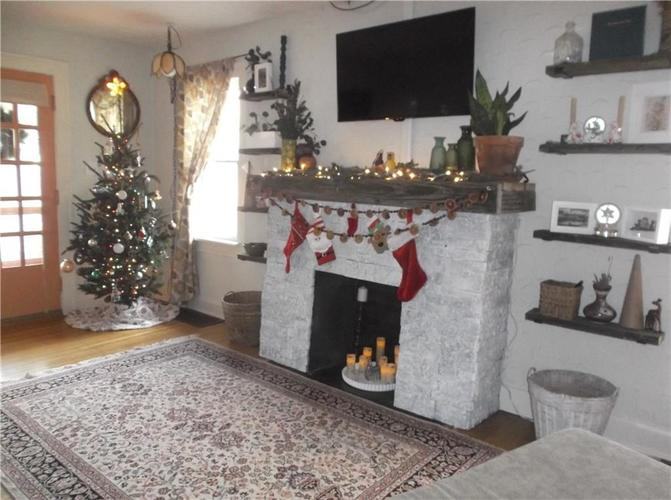 5823 E New York Street Indianapolis, IN 46219 | MLS 21686165 | photo 16
