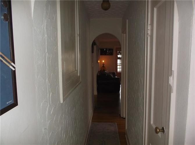 5823 E New York Street Indianapolis, IN 46219 | MLS 21686165 | photo 26