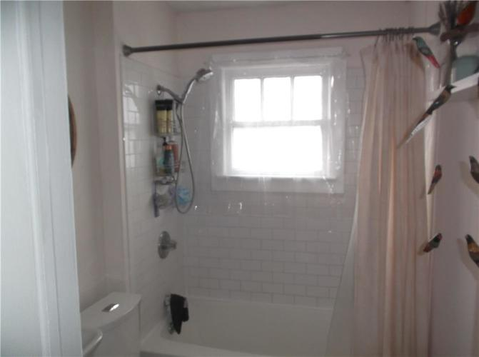 5823 E New York Street Indianapolis, IN 46219 | MLS 21686165 | photo 28