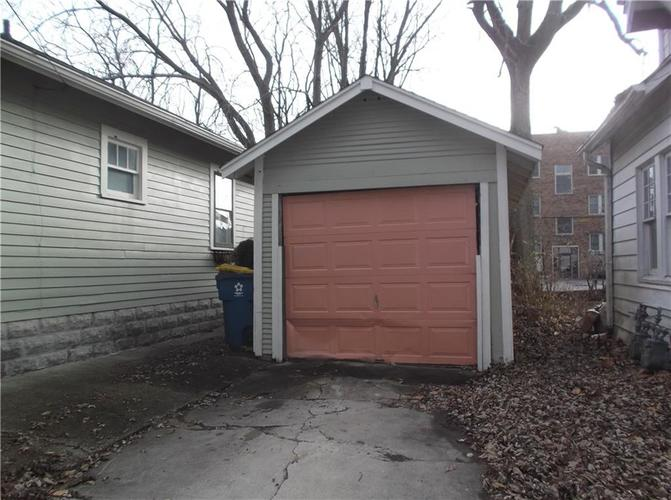 5823 E New York Street Indianapolis, IN 46219 | MLS 21686165 | photo 6