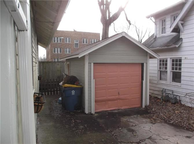 5823 E New York Street Indianapolis, IN 46219 | MLS 21686165 | photo 7