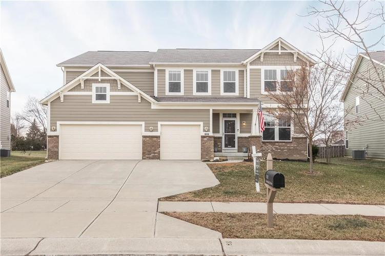 11101 STONELEIGH Drive Noblesville, IN 46060 | MLS 21686192 | photo 1