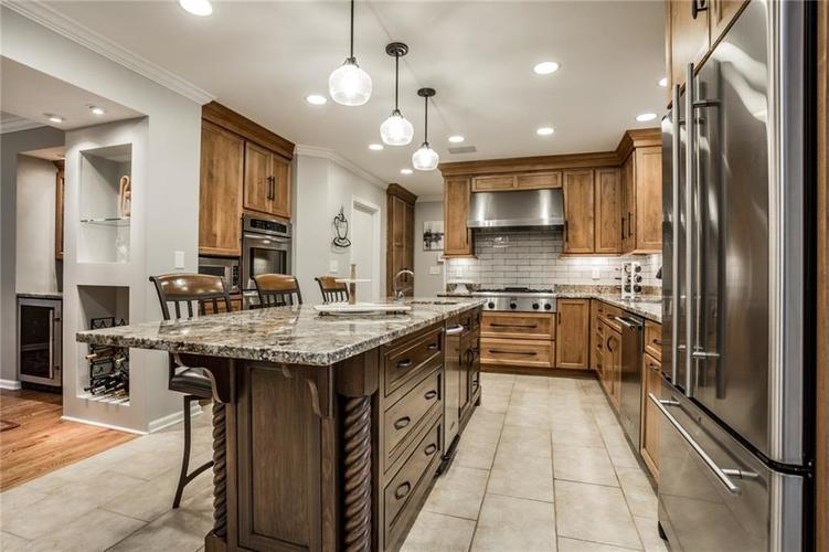 675 E 80th Street Indianapolis, IN 46240 | MLS 21686278 | photo 16