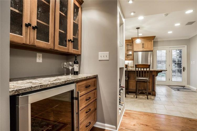 675 E 80th Street Indianapolis, IN 46240 | MLS 21686278 | photo 26