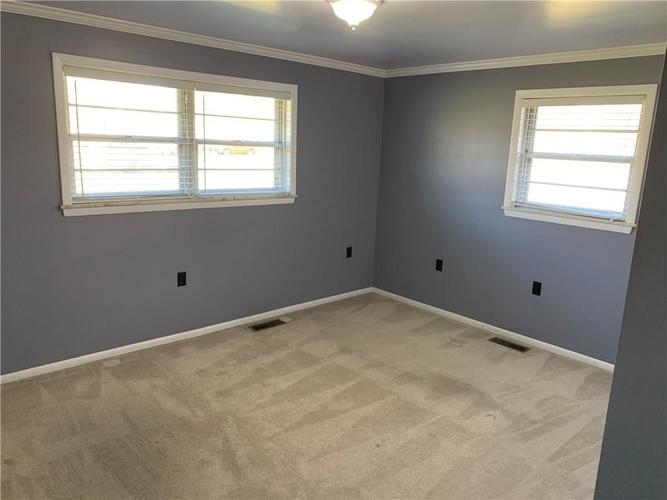 9740 E 11th Street Indianapolis, IN 46229 | MLS 21686283 | photo 15