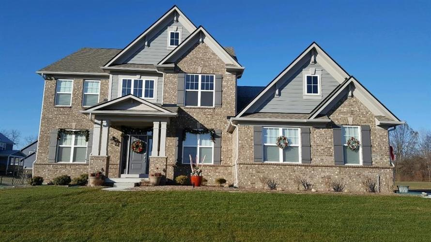 16475 Meadow Wood Drive Noblesville, IN 46062 | MLS 21686355 | photo 1