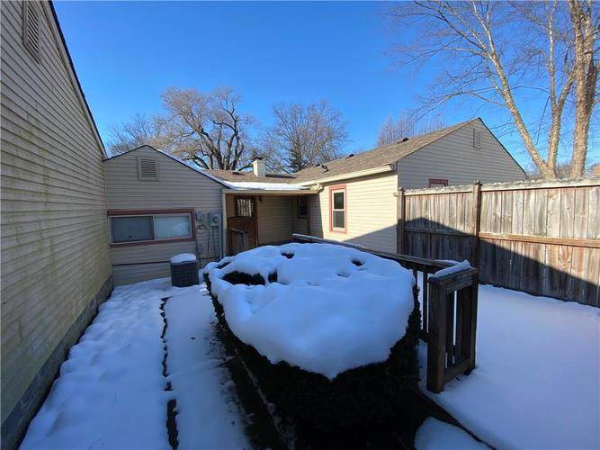 5561 W 56th Street Indianapolis, IN 46254 | MLS 21686445 | photo 23