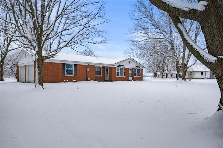 4711 E State Road 236 Middletown, IN 47356 | MLS 21686492 | photo 3