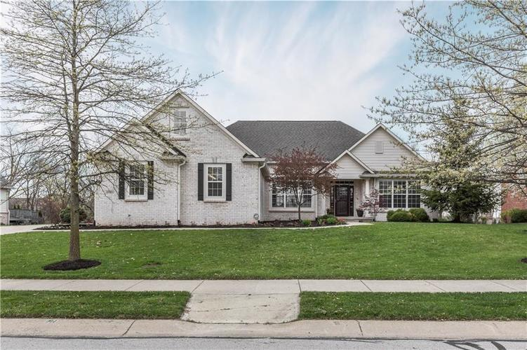 16501 Oak Manor Drive Westfield, IN 46074 | MLS 21686533 | photo 1