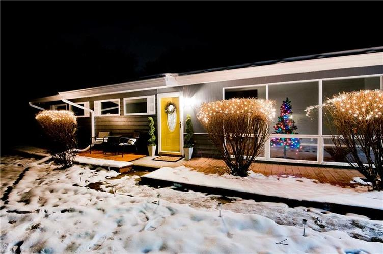 9222 Central Avenue Indianapolis IN 46240 | MLS 21686619 | photo 1