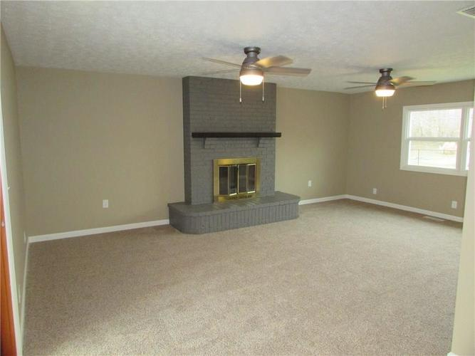 6805 Donnelly Drive Brownsburg, IN 46112 | MLS 21686625 | photo 12
