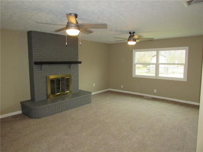 6805 Donnelly Drive Brownsburg, IN 46112 | MLS 21686625 | photo 14