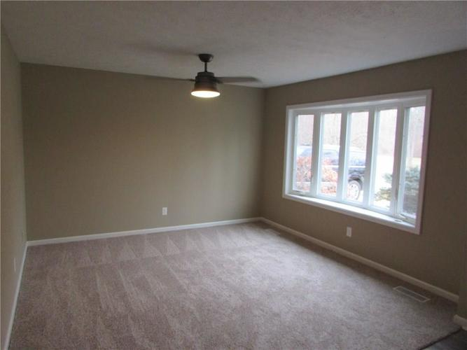 6805 Donnelly Drive Brownsburg, IN 46112 | MLS 21686625 | photo 2