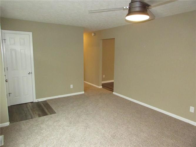 6805 Donnelly Drive Brownsburg, IN 46112 | MLS 21686625 | photo 4