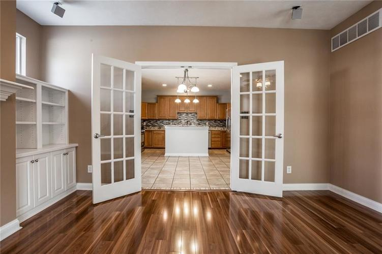2401 N New Jersey Street Indianapolis, IN 46205 | MLS 21686799 | photo 10