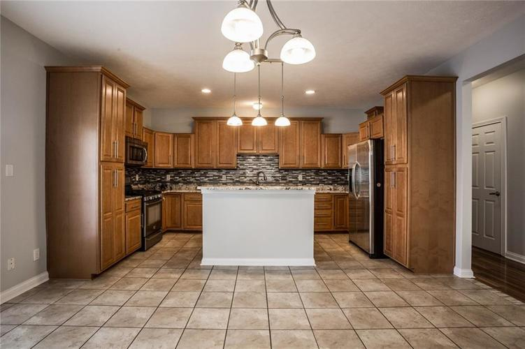 2401 N New Jersey Street Indianapolis, IN 46205 | MLS 21686799 | photo 13