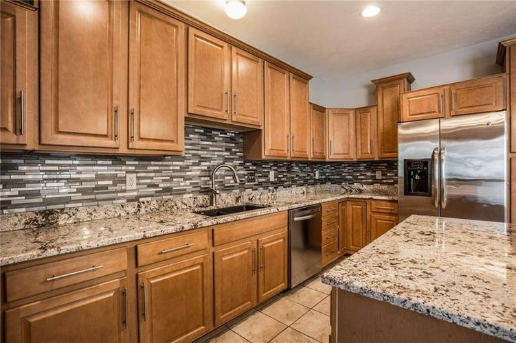 2401 N New Jersey Street Indianapolis, IN 46205 | MLS 21686799 | photo 15