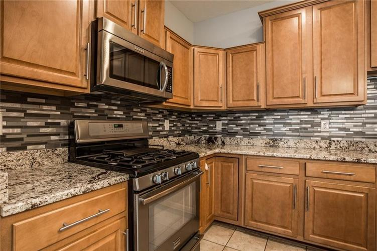 2401 N New Jersey Street Indianapolis, IN 46205 | MLS 21686799 | photo 16