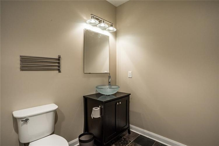 2401 N New Jersey Street Indianapolis, IN 46205 | MLS 21686799 | photo 28