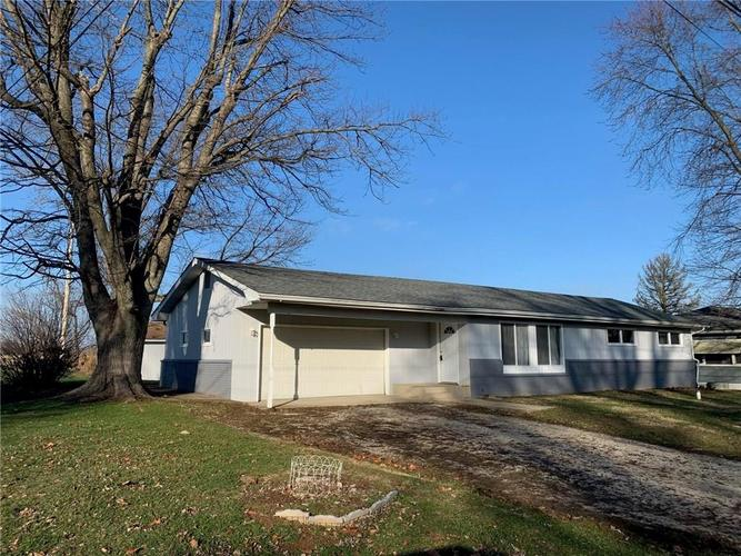 188 York Avenue Clayton, IN 46118 | MLS 21686843 | photo 2
