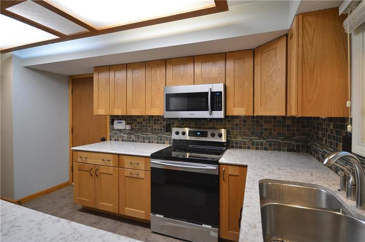 4634 CHATTERTON Circle Indianapolis, IN 46254 | MLS 21686912 | photo 17