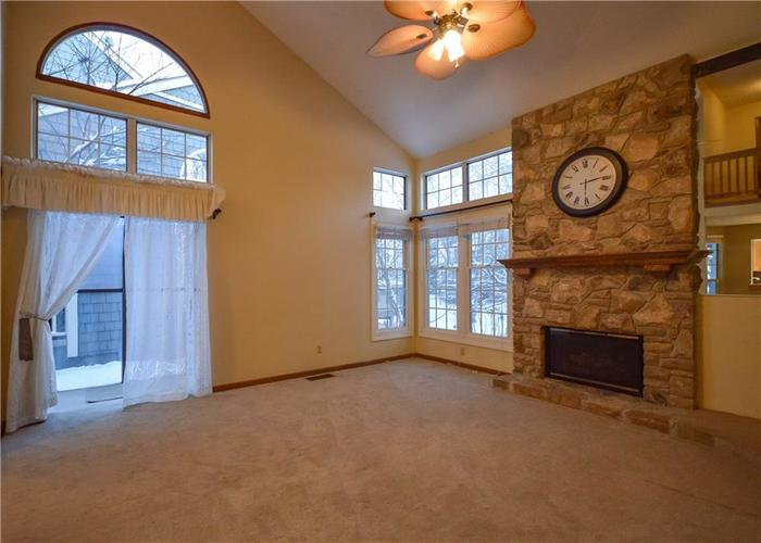 4634 CHATTERTON Circle Indianapolis, IN 46254 | MLS 21686912 | photo 4