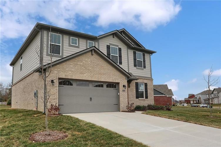9747 Sonnette Circle Fishers, IN 46040 | MLS 21686980 | photo 1
