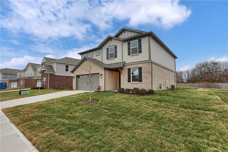 9747 Sonnette Circle Fishers, IN 46040 | MLS 21686980 | photo 4