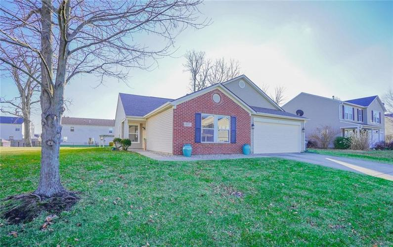 6537  Apple Branch Lane Indianapolis, IN 46237 | MLS 21687044