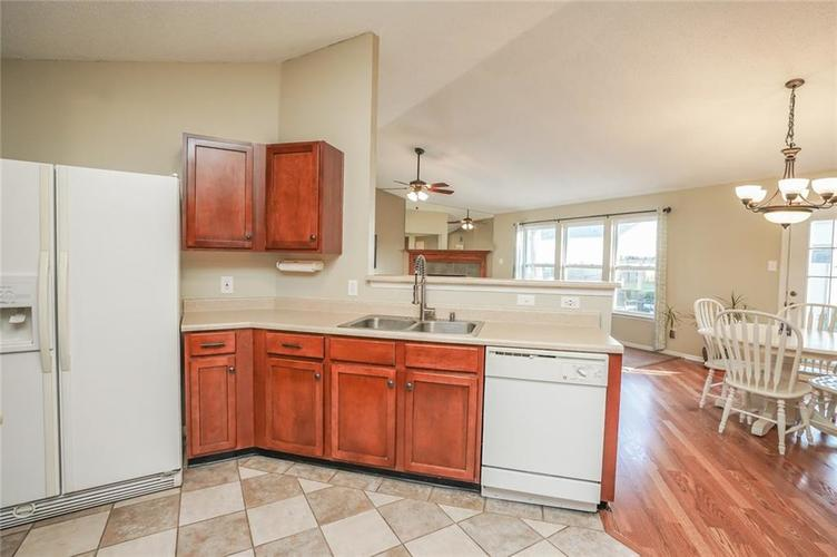 6537 Apple Branch Lane Indianapolis, IN 46237 | MLS 21687044 | photo 16