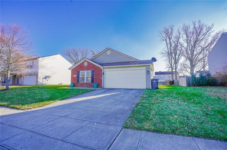 6537 Apple Branch Lane Indianapolis, IN 46237 | MLS 21687044 | photo 2