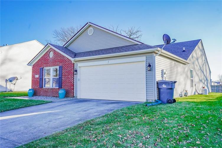 6537 Apple Branch Lane Indianapolis, IN 46237 | MLS 21687044 | photo 4