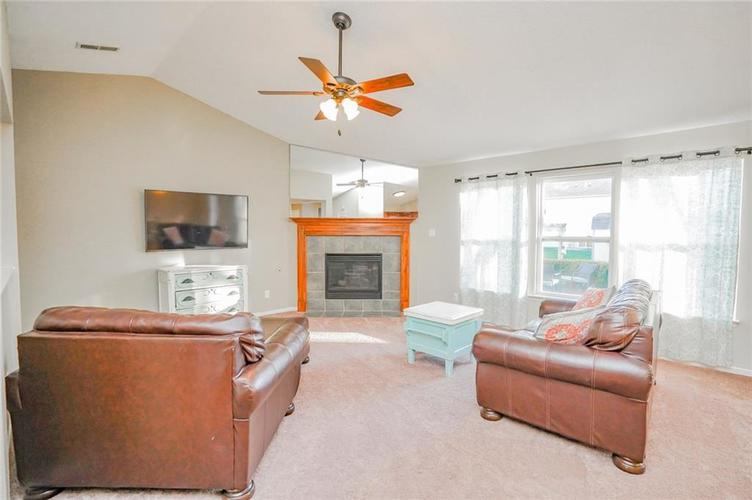 6537 Apple Branch Lane Indianapolis, IN 46237 | MLS 21687044 | photo 41