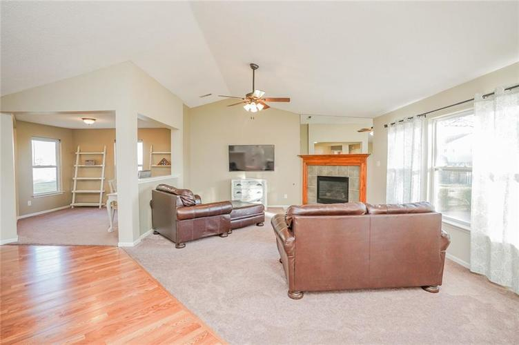6537 Apple Branch Lane Indianapolis, IN 46237 | MLS 21687044 | photo 42