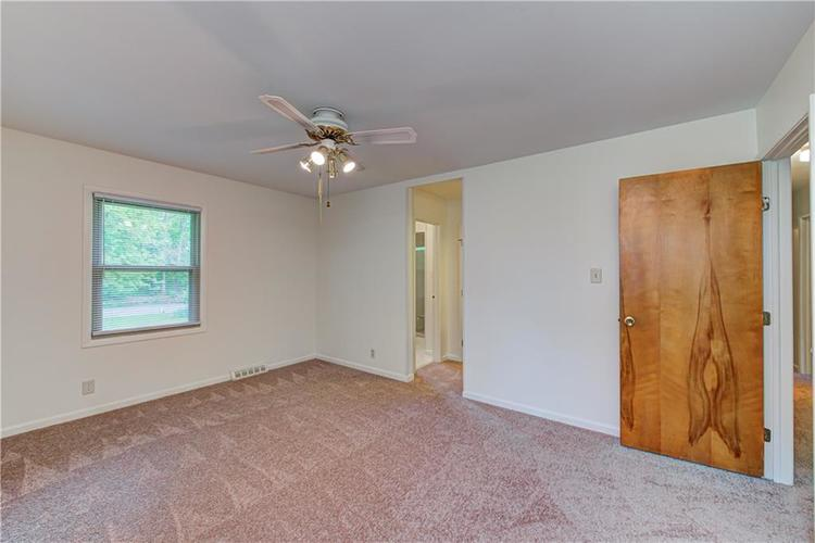 124 Kenwood Circle Indianapolis IN 46260 | MLS 21687054 | photo 20