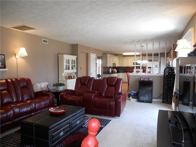 7659 Camberwood Drive Indianapolis, IN 46268   MLS 21687059   photo 15