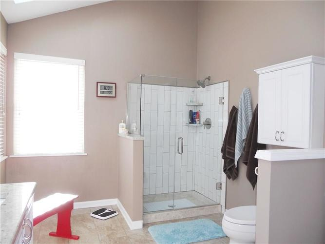 7659 Camberwood Drive Indianapolis, IN 46268   MLS 21687059   photo 26